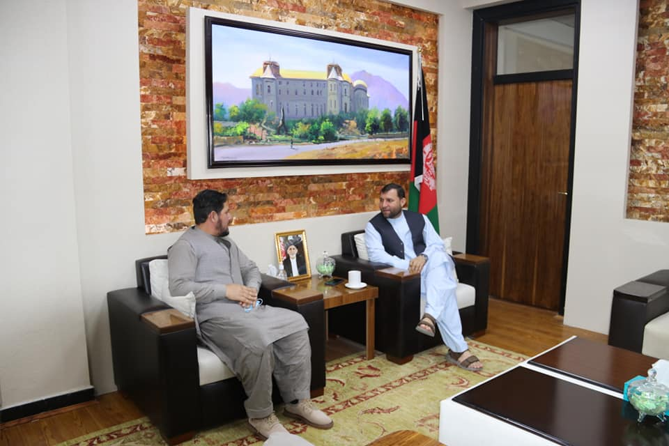 SMPA Minister meets Government Officials and Youth